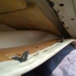 Een eerste blik onder het dakhemeltje. Glaswol???